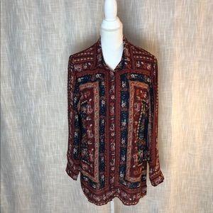 NWT tunic length blouse by Dressbarn. Flattering